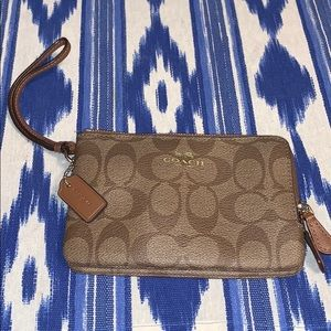 COACH WRISTLET - Brown leather canvas. Like New!